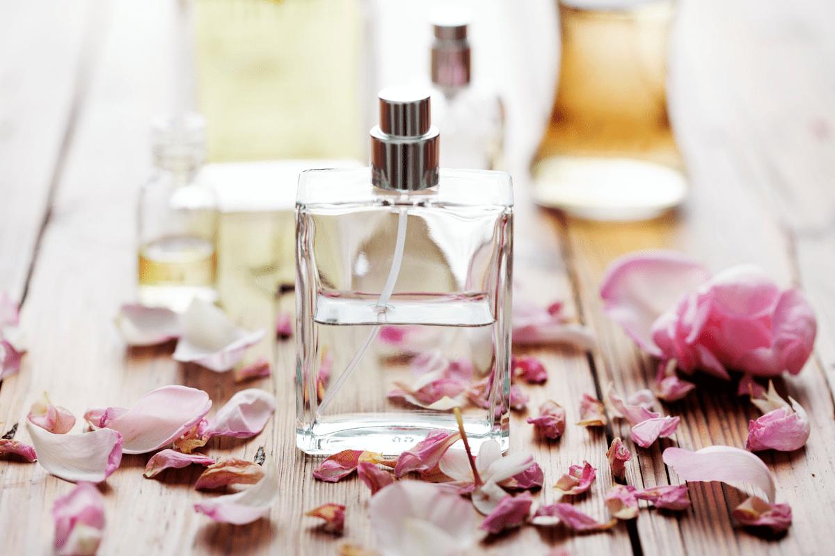 Le parfum, une idée cadeau complexe pour faire plaisir